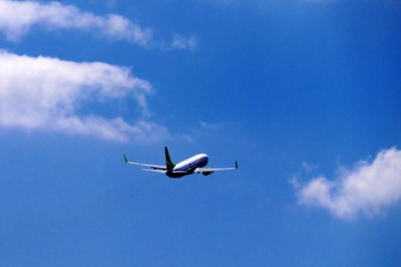 飛行機が予定通りのルートを飛ぶ確率は0%